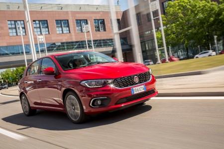 Italia - Agosto 2016: El Fiat Tipo aparca en el podio
