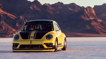 Volkswagen Beetle LSR, ¡a más de 330 km/h en Bonneville!