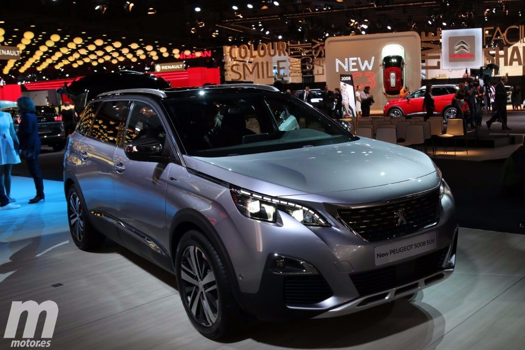 el nuevo peugeot 5008 en vivo desde el sal n de par s 2016. Black Bedroom Furniture Sets. Home Design Ideas