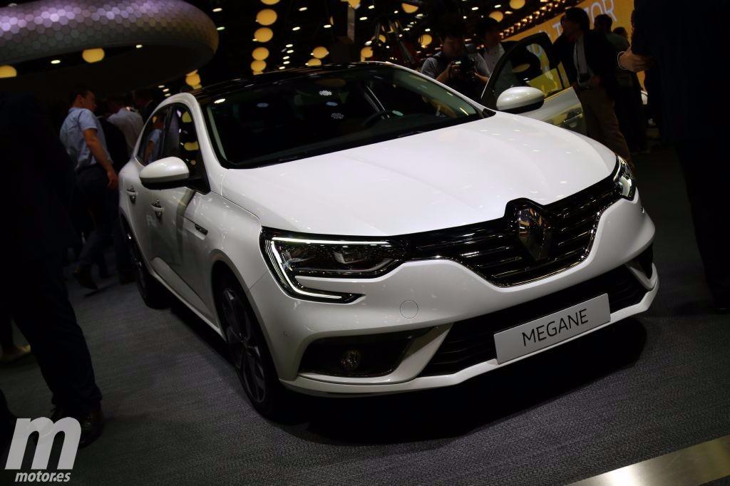 Renault Mégane Sedán 2017, la gama se completa con la versión de 4 puertas