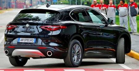 Se filtra el aspecto del Alfa Romeo Stelvio base en unas patentes y fotos