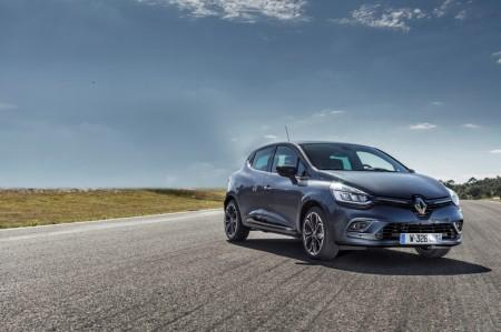 Italia - Diciembre 2016: El Renault Clio sigue fuerte