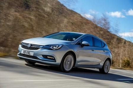 Reino Unido - Diciembre 2016: El Opel Astra sigue en racha