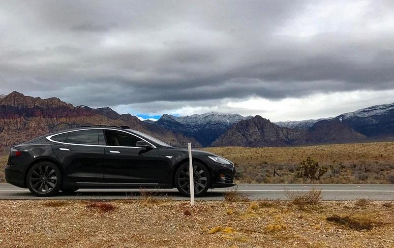 Los Tesla funcionan sin llave, pero te pueden dejar tirado si no hay cobertura móvil