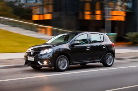Argentina - Enero 2017: El Renault Sandero, segundo, logra su mejor marca