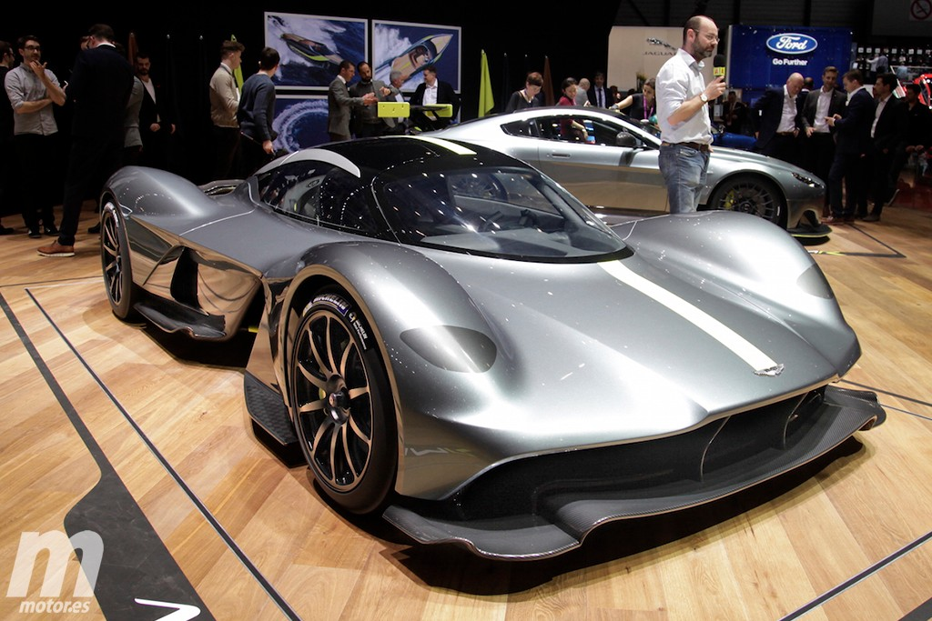 aston martin valkyrie as se llamar el espectacular am rb 001. Black Bedroom Furniture Sets. Home Design Ideas