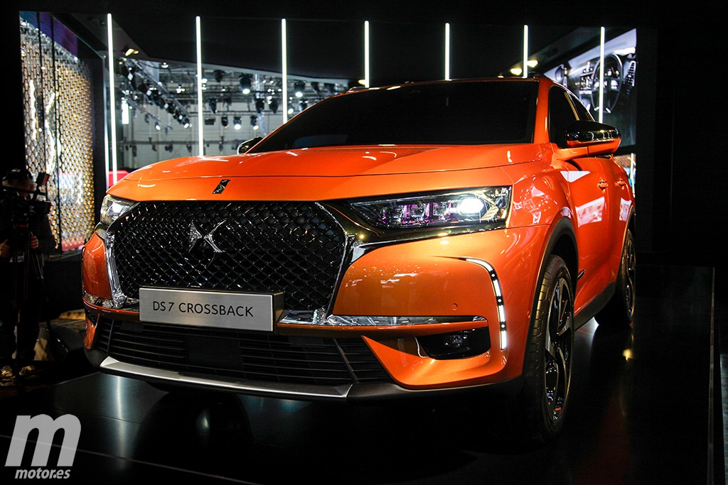 ds 7 crossback 2018 se presenta el nuevo suv de la marca premium francesa. Black Bedroom Furniture Sets. Home Design Ideas