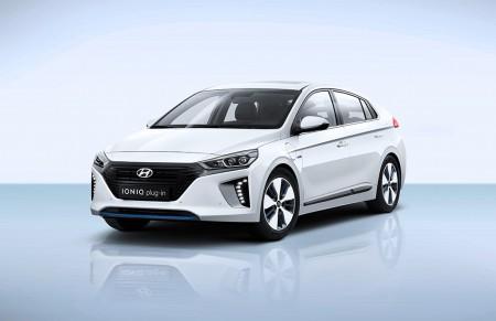 Hyundai IONIQ Plug-in: la familia da la bienvenida al híbrido enchufable