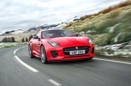 El Jaguar F-Type incorpora a su gama un motor de cuatro cilindros de 300 CV