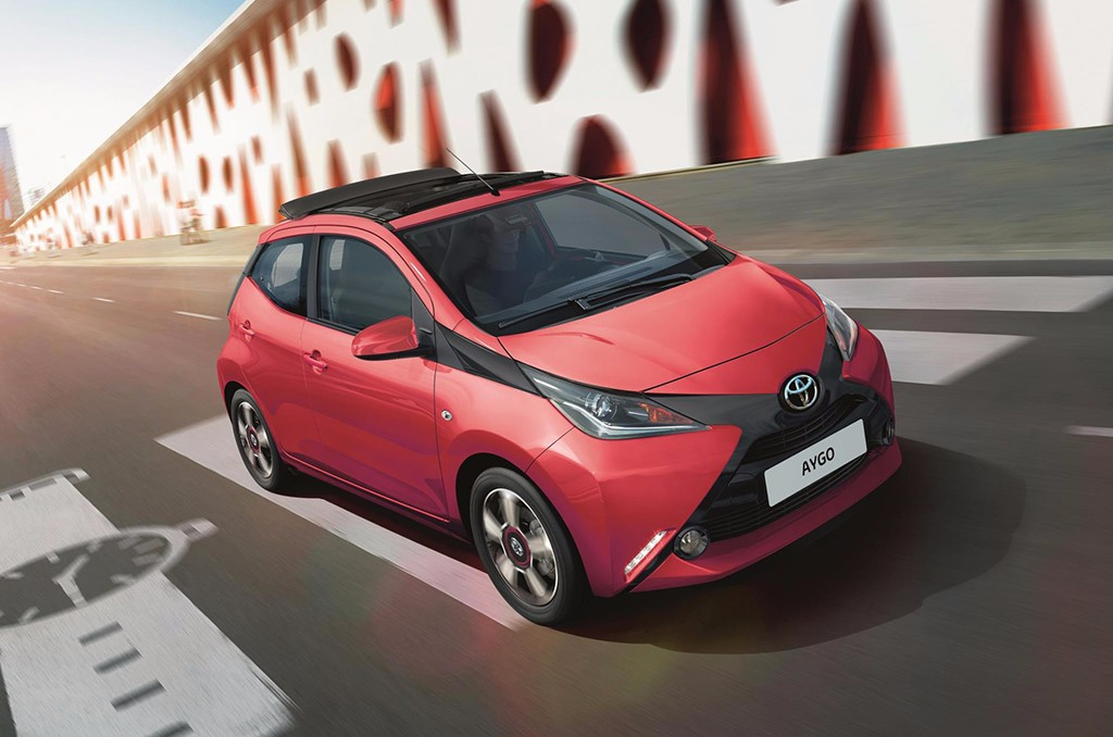 toyota aygo 2017 la gama del urbanita japon s estrena dos nuevos acabados. Black Bedroom Furniture Sets. Home Design Ideas