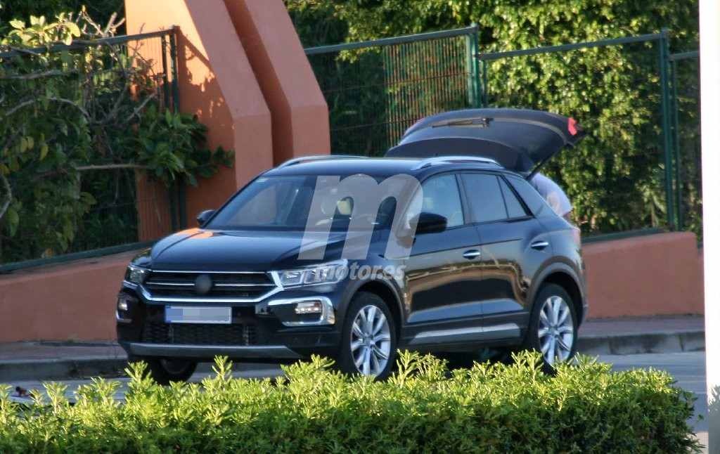 volkswagen t roc 2018 cazado el nuevo suv del fabricante alem n. Black Bedroom Furniture Sets. Home Design Ideas