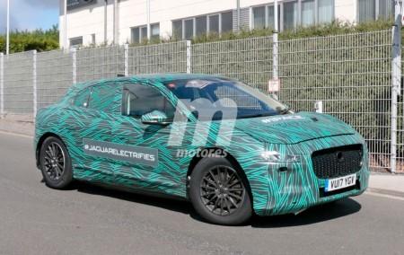 Jaguar I-Pace: las fotos espía más cercanas del crossover eléctrico en Nürburgring