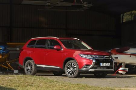 Mitsubishi Outlander: la gama estrena versión de gasolina con 7 plazas