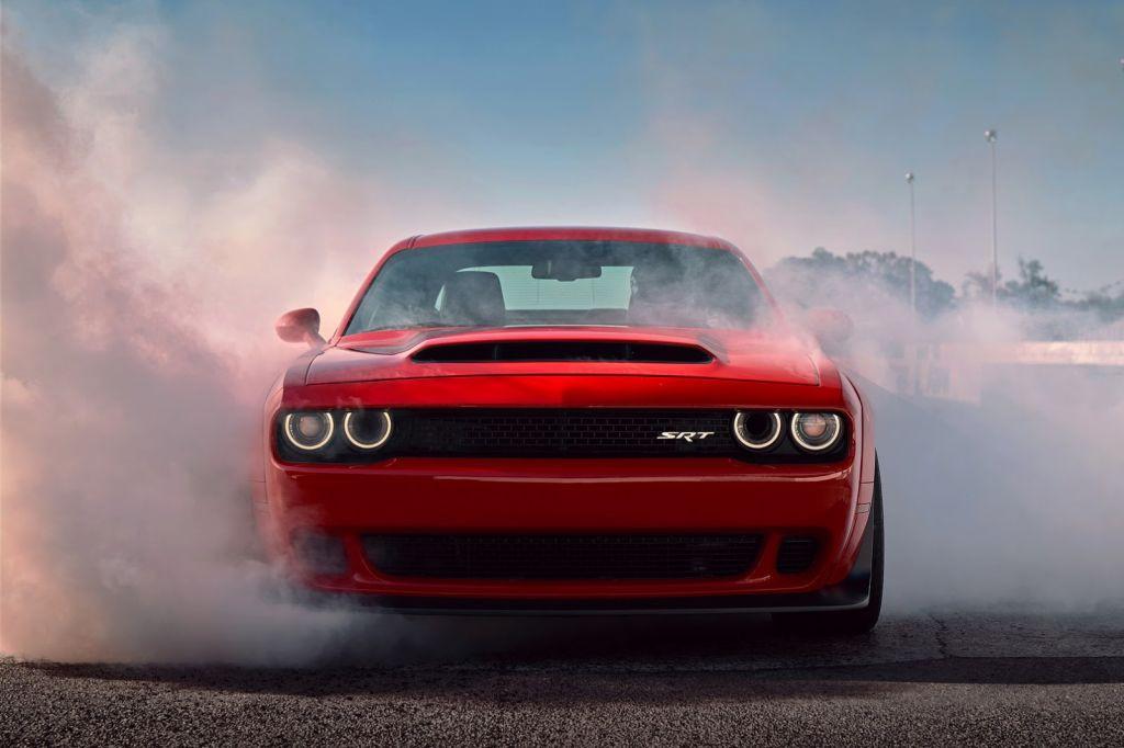 Dodge Challenger Srt Demon Frente Al Nuevo Hellcat Widebody En Un Duelo De Sonido Motor Es