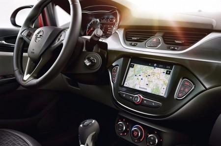 Opel añade el sistema Navi 4.0 IntelliLink en la gama del Corsa, Karl y Adam