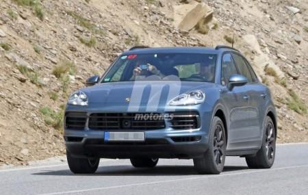 El nuevo Porsche Cayenne 2018 casi al desnudo en estas fotos espía
