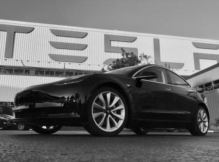 Las primeras imágenes del Tesla Model 3 definitivo de producción