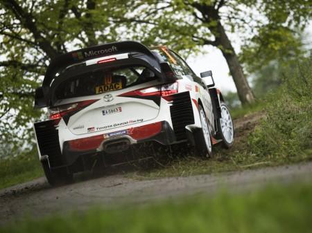 Tres Toyota Yaris WRC, desde Finlandia al mundo