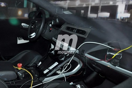 Nos asomamos al interior del Jaguar I-Pace mientras carga sus baterías