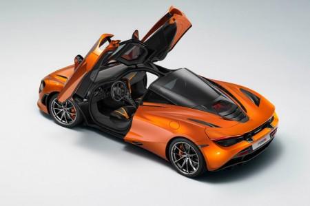 El McLaren 720S demuestra en un banco que cuenta con más de 800 CV