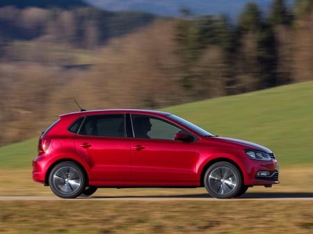 Holanda - Julio 2017: El Volkswagen Polo reclama el primer puesto