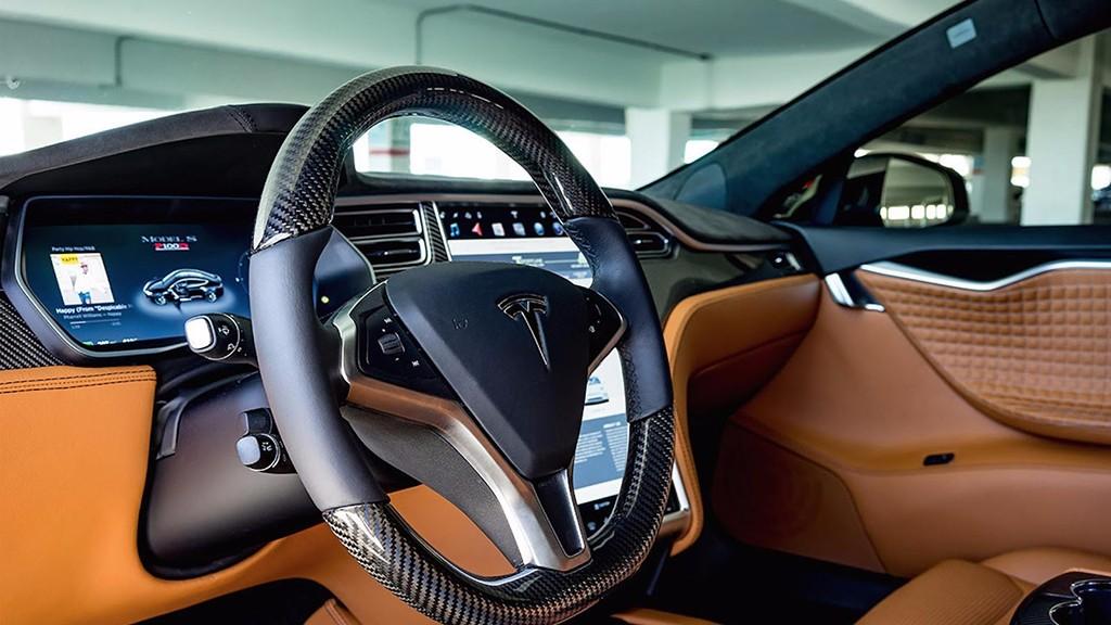 T Sportline Quiere Refinar El Interior De Tu Tesla Motores