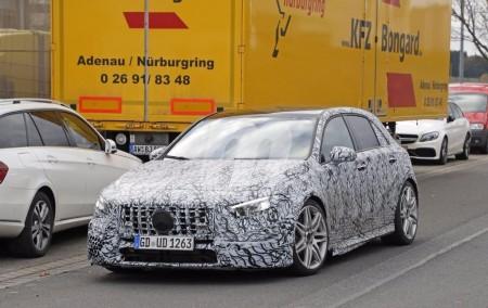 Primeras fotos espías del Mercedes A50 AMG, la versión tope de gama del nuevo compacto
