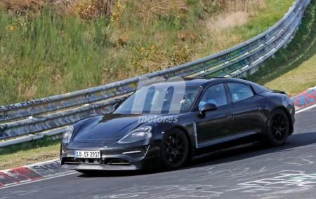 El futuro Porsche Mission E continúa sus pruebas en Nurburgring