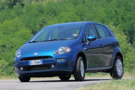 Italia - Septiembre 2017: El veterano Fiat Punto agoniza con el peor resultado histórico