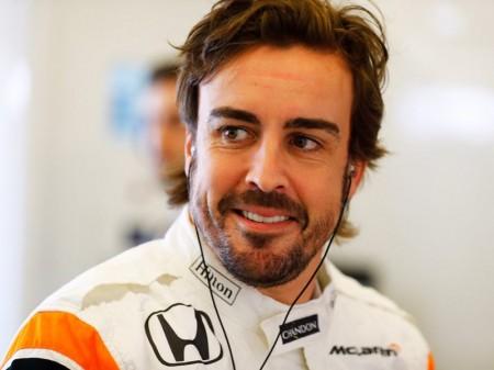 Fernando Alonso visita la sede de Toyota en Alemania