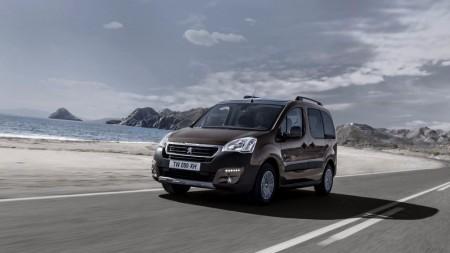 Peugeot Partner Tepee Adventure Edition, saliendo del asfalto con mayor seguridad