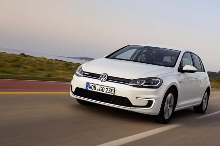 Noruega - Octubre 2017: El Volkswagen Golf arrasa sin piedad