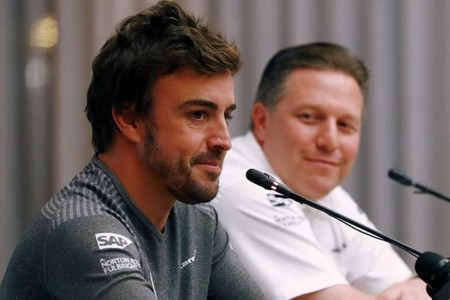 "Zak Brown sobre Alonso: ""Hemos creado un monstruo de las carreras"""