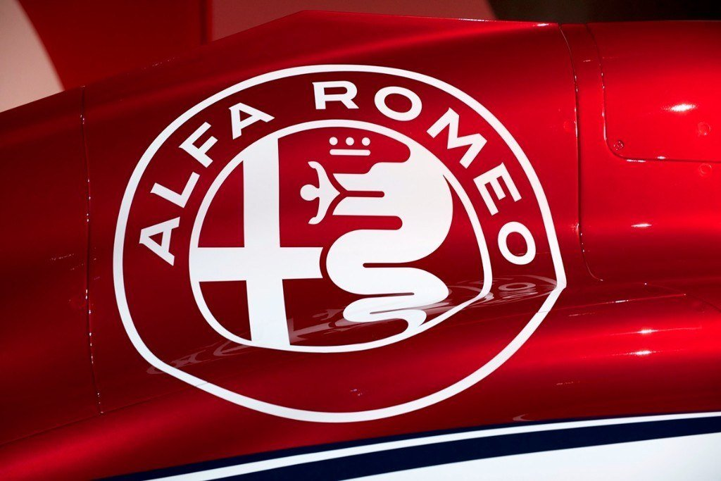 alfa romeo sauber desvela sus colores para 2018. Black Bedroom Furniture Sets. Home Design Ideas