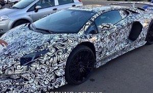 El nuevo Lamborghini Aventador SV cazado con un espectacular alerón