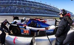 """Brown: """"Alonso intimida, especialmente en un equipo como United Autosports"""""""