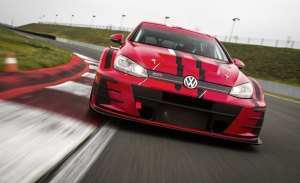 SLR alinea dos Golf GTI en el WTCR para Huff y Bennani