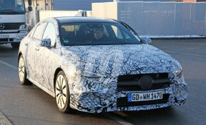La versión deportiva del Mercedes AMG A 35 Sedán comienza sus pruebas