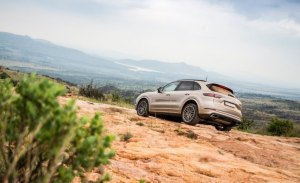 Porsche adelanta la versión híbrida del nuevo Cayenne con unas imágenes en sus últimas pruebas