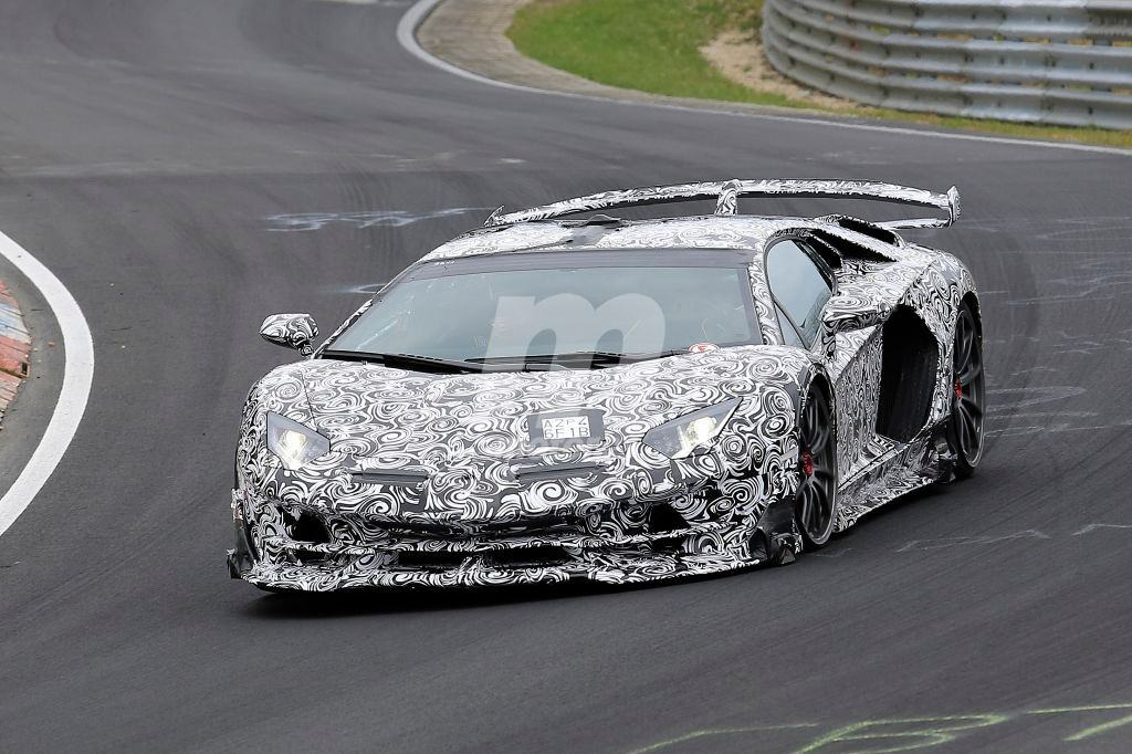 Circuito Nurburgring : Lamborghini aventador superveloce jota motor
