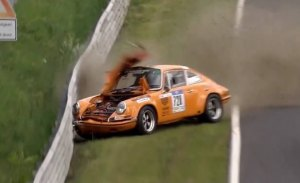 Un Ford GT40 y varios Porsche 911 entre los clásicos caídos en la Nürburgring Classic