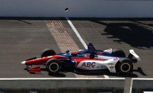 Chevrolet manda en el test de marcas, con Kanaan al frente