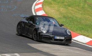 El nuevo Porsche 911 Turbo Cabrio muestra su nuevo alerón en Nürburgring