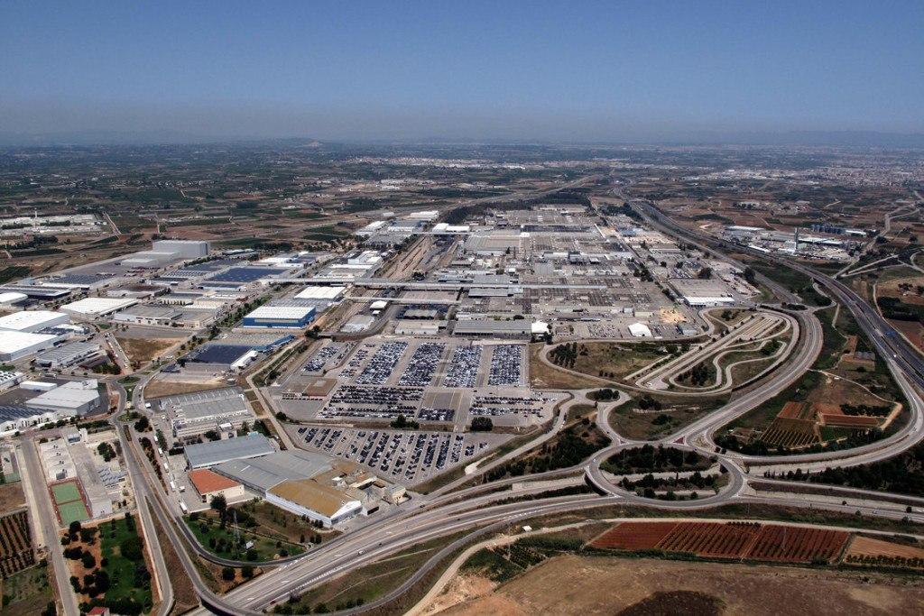 La factoría de Ford en Almussafes planea parones para ajustar la producción
