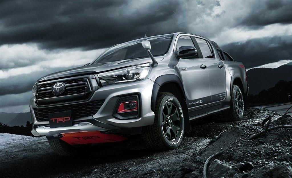 Toyota Hilux Black Rally Edition, el pick-up nipón se ...