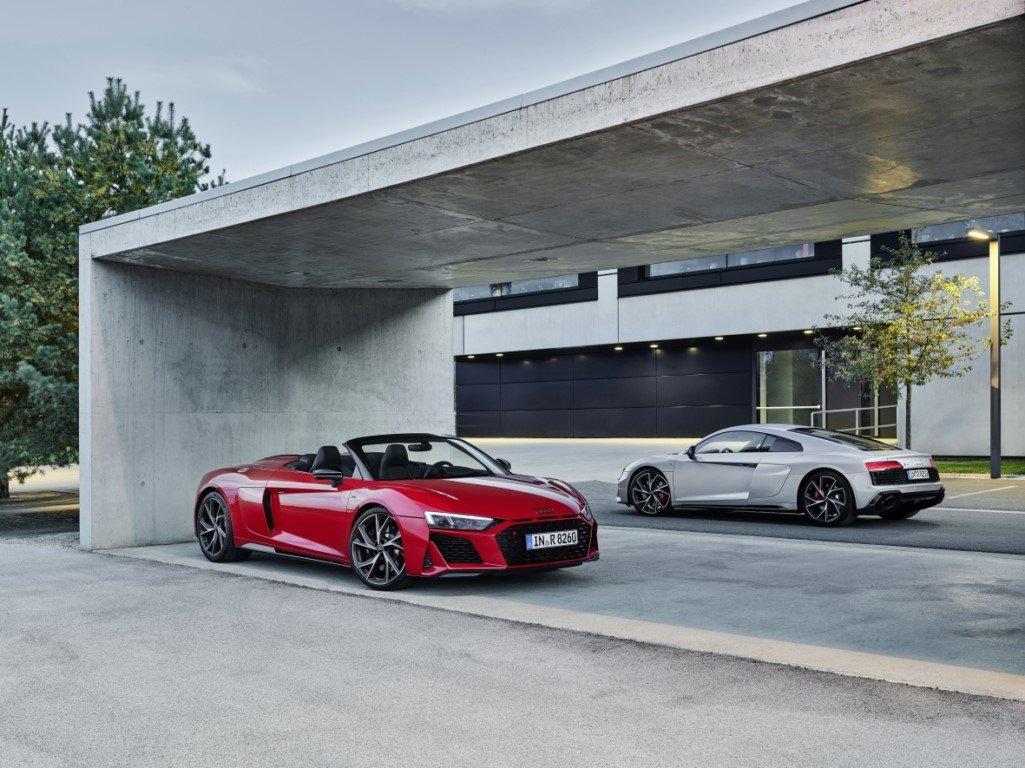 Llegan las versiones de propulsión trasera a los Audi R8 V10 RWD y R8 V10 Spyder RWD - Motor.es