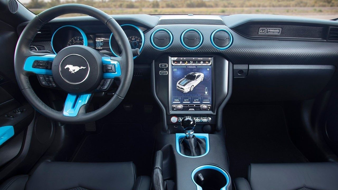 Ford Mustang Lithium - interior