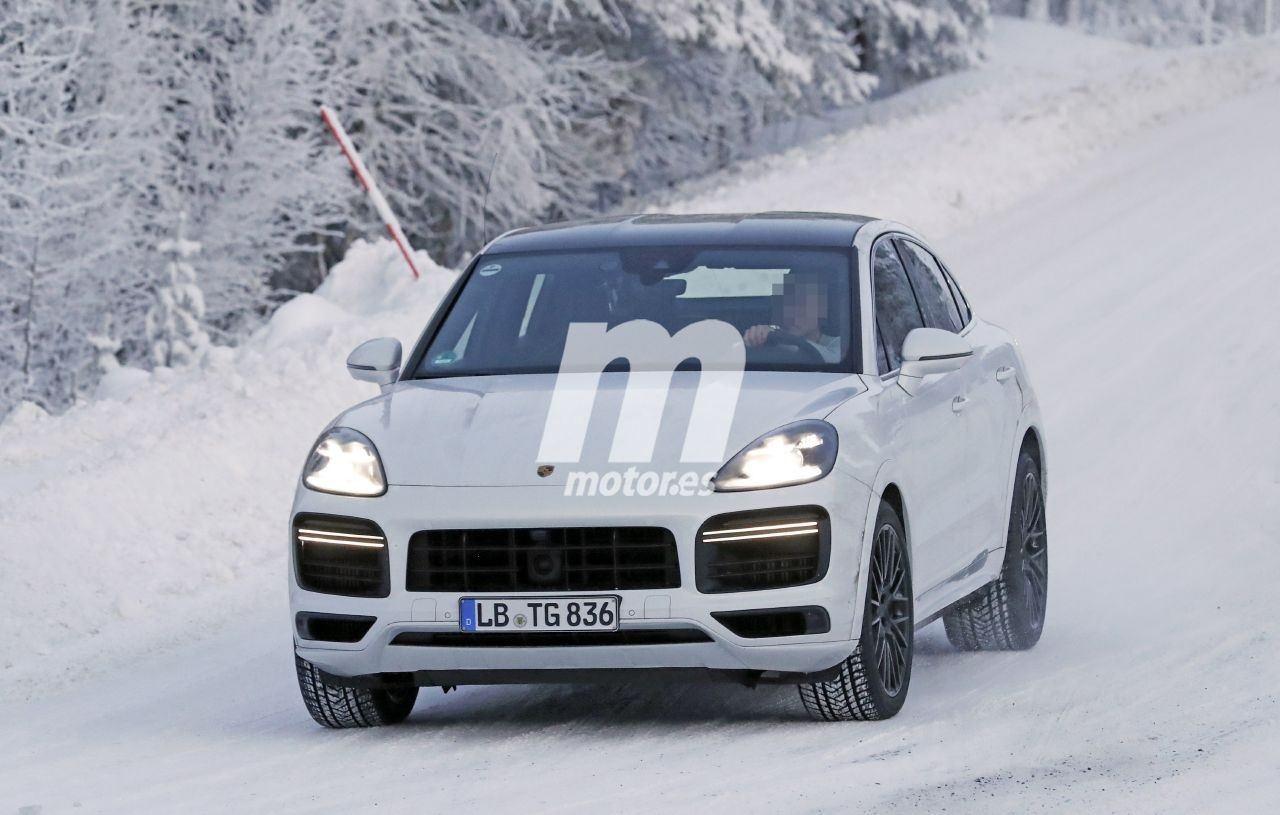El Porsche Cayenne Coupe Turbo Gt 2021 Estrena El Nuevo Ano En Las Pruebas De Invierno Motor Es