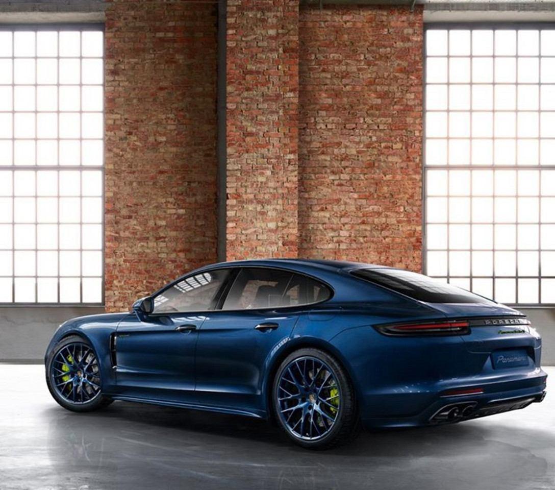 2020 The Porsche Panamera Picture