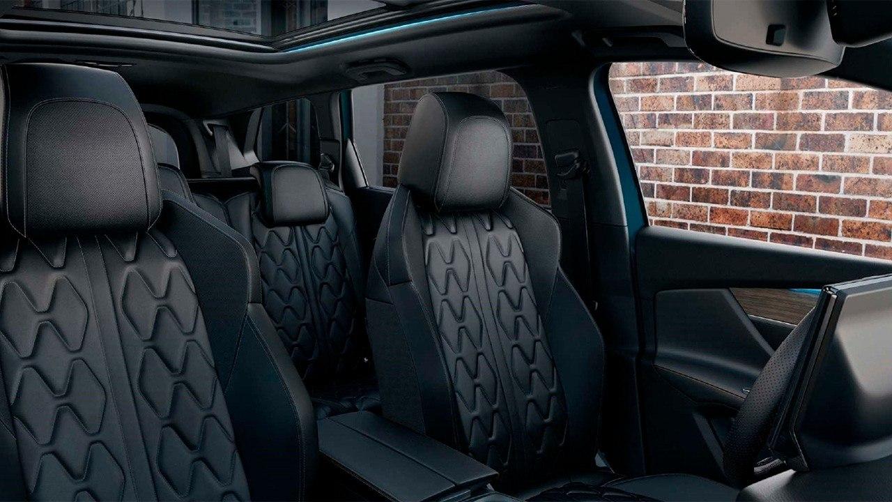 Peugeot 5008 2021 - interior